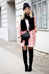 Jules Calling - Gucci Bag, Zara Coat, Zara Boots, Acne Studios Scarf - BERLIN FASHION WEEK LOOK 2