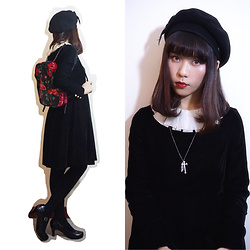Roisin G - Laulhère Beret, Jane Marple Velvet Onepiece, Cathkidston Velvet Backpack - Velvet and Roses