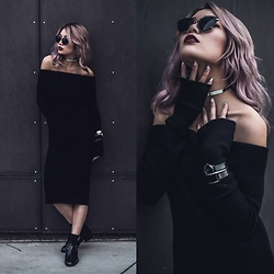 Catherine pham - Flavour Shop Black Knit Off The Shoulder - Cozy in the dark