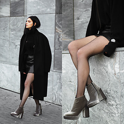 CLAUDIA Holynights - Dropp Velvet Boots, Daniel Wellington Watch - Velvet boots