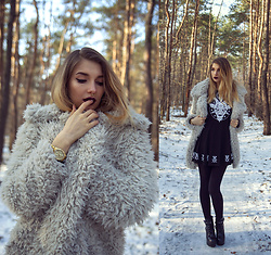 Ashi Monster - Fluffy Coat, Killstar Goat Dress - Fluffy look
