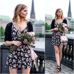 Ruth Pie -  - Cute Flower-Dress