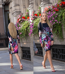 Silver Girl - Ted Baker Bouquer Tunic Dress, Gucci Blooms Print Pumps, Calvin Klein Golden Watch - CITY OF LONDON & TED BAKER