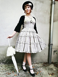 Liv Robroek - Innocent World Antique Rose, Metamorphose Temps De Fille Parasol, Myinspiration Uts Special Edition Necklace - Vintage Lolita