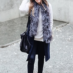 Morgan Schadegg - Belle Fare Fur Scarf, Givenchy Pandora - Touch of luxe