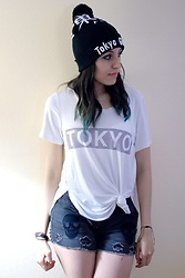 Rosy L - Forever 21 Shirt, Hot Topic Beanie, Hot Topic Shorts - Tokyo Ghoul
