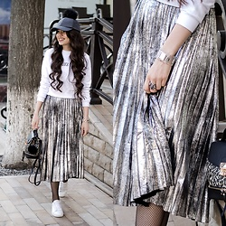 Diyora Beta - Romwe Skirt, Sneakers -  METALLIC PLEATED SKIRT AND WHITE SNEAKERS