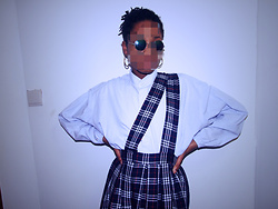Trendsetter -  - English school girl