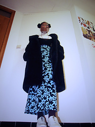 Trendsetter - Vintage Coat, Vintage Skirt, Primark Shoes, Primark Top - 90's fashion student