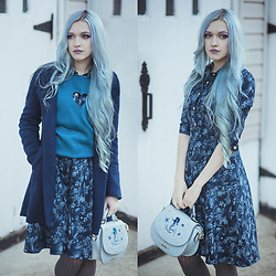Anya Anti - Romwe Heart Sweater, Dezzal Floral Denim Dress, Dezzal Mermaid Bag, Cndirect Coat - Tiny heart
