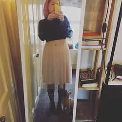 Leigh Wood - H&M Pink Skirt, New Look Black Turtleneck - Pink frills