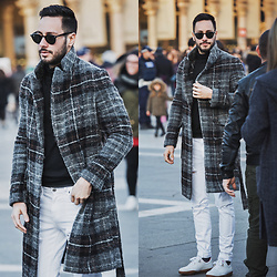 Reinaldo Irizarry - Zara Coat, Inc International Concepts Turtleneck Sweater, Dr Denim Jeans, Lacoste Sneakers, Ray Ban Sunglasses - BLOGGER IN MILAN
