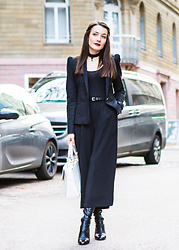 Stefanie -  - Black culottes for winter #1