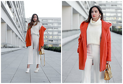 Bárbara Marques - Zara Coat, Primark Turtleneck, Zara Pants, Bimba Y Lola Bag, Suiteblanco Mules, H&M Earrings - OFFLINE