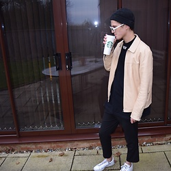 Peter Jones - Raf Simons Trainers, H&M Leather Jacket, Off White Top, Saint Laurent Sunglasses, Asos Beanie - Off white