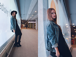 Agnieszka Warcaba - H&M Hat, Second Hand Jacket, Lidl Dress, Hd Boots, H&M Bag - On the metro station