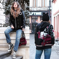 Diana Ior - Pull & Bear Hoodie, Zara Bomber Jacket, Zara Jeans, Topshop Jumper, Converse Sneakers, Stradivarius Mini Backpack, Happy Socks, Zara Beanie - Not so ladylike