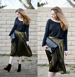 Emily S. - American Eagle Outfitters Top, A&F Pleated Skirt, Asos Velvet Booties, Cocoono Clutch - Black & Bronze