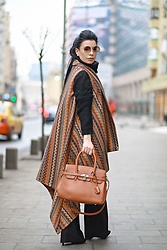 Laura Veronica - Bag, Eva's Lab Cardigan - Brown & black