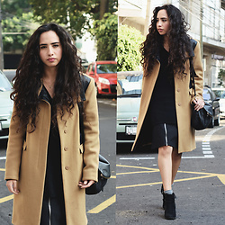 Attalia DASBEL - Zara Coat - THE CAMEL COAT