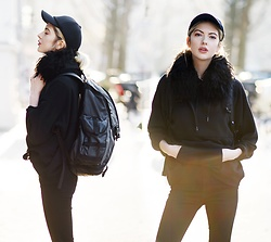 Ebba Zingmark - 2 Hand Collar (Fake Fur), New Look Hoodie, Crocker Jeans, Nike Backpack, Acne Studios Cap - CROW