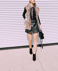 Katie Van Daalen Wetters - Alice + Olivia Fur Vest, Tobi Black Bodysuit, Allsaints Leather Skirt, Sam Edelman Suede Boots, Saint Laurent Sac De Jour Nano Bag - Winter Cozy