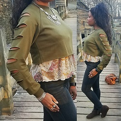 KaSonndra L. - Romwe Army Green Ladder Cutout Sweatshirt - Rockin The Casual Glam
