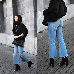 CLAUDIA Holynights - Vintage Bomber, Jesus Gets The Girl Tee, Vipme Bag, Levi's® Vintage Jeans, Ego Peep Toe Ankle Boots - Kick flares and peep toe
