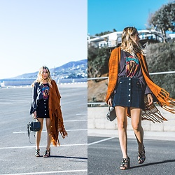 Ashley Prybycien - Dazey La Lady Legends Tee, Jay Nicole Jewelry The Daisy Choker, Bijou The Label Stardust Kimono Burnt Orange, T Shirt And Jeans Crossbody Bag, Public Desire Shoes - All In the Details