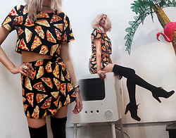 Janna Niki - Devowevo Pizza Set, American Apparel Thigh Highs - What's Up Homeslice?