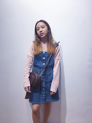 Maevie Tjahyadi - Stradivarius Oversized, Charles And Keith Circular Bag, 6ixty 8ight Button Up - Back to elementary