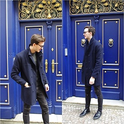 Bartek Piekara - Topman Coat, Zara Pants - Future Islands - Ran