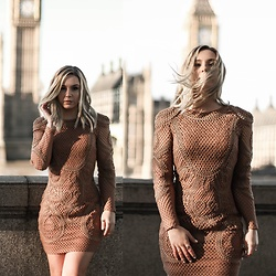 KEENAH Mljac - Bik Bok Dress - LONDON VIBE
