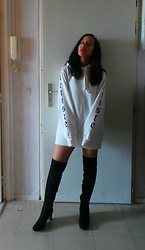 Sarah G - Eram Knee High Boots, Bershka Hoody - Black and White