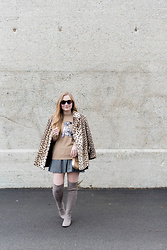 Ashley Hutchinson - Markus Lupfer Sequin Pug Dog Sweater, Vintage Cheetah Print Coat, Banana Republic Tweed Mini Skirt, Stuart Weitzman Over The Knee Boots, Chloé Gold Crossbody Bag, Karen Walker Tortoise Sunglasses - Sequin Pug Sweater