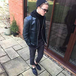 Peter Jones - River Island Jacket, H&M Chinos, Zara Shoes, Dior Homme Sunglasses - Casj ?