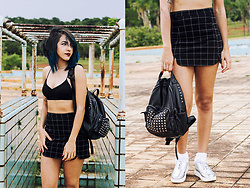 ☽ Lara Kneip ☾ - Zaful Backpack, Zaful Plaid Skirt, Zaful Crop Top, Zaful Sneaker - OOTD: Zaful Store