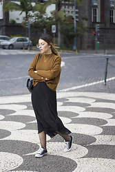 Frederica Ferreira - H&M, Vintage, Primark, Converse All Star, H&M Necklace, H&M - In the middle of the city