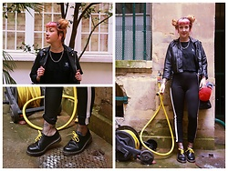Anna Hurricane - Adidas Tee, Vintage Leather Jacket, Bershka Leggings With White Stripe, Dr. Martens Doc´S, H&M Fishnet Socks, Cheap Monday Chain Necklace - Yellow Mellow
