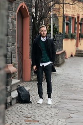 Bernd Hower - Sweater, Raf Simons Shirt, Shoes, Watch, Pants, Bagpack - OUTFIT - Modern Casual Look