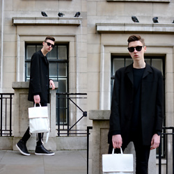 Andrejs Šemeļevs - Distyled Backpack, Steve Madden Sneakers - LFW DAY 1 // STREETSTYLE