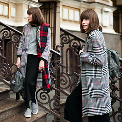 Christina & Karina Vartanovy - Zara Two Sided Tartan Scarf, Sandro Colour Block Sweater, Zaful Lapel Houndstooth Coat, Sheinside Black Elastic Waist Culotte Pants, Sammydress Studded Backpack, Asos Plimsolls - Kristina // insomnia