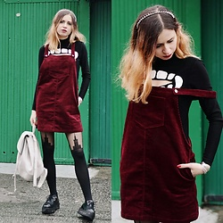 Ola Brzeska - Romwe Corduroy Dress, H&M Vampire Sweater, Altercore Creepers, Atmosphere Backpack - Corduroy