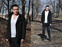 Pawel - Original U.S. Navy Coat, Divided By H&M Pants, G Star Raw Black Leather Boots - Black coat/February