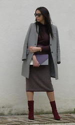Veronica Vannini -  - Grey coat
