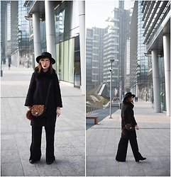 Eleonora Pellini - Bonprix Animalier Bag, No Brand Black Hat, Zara Black Coat, Stradivarius Wide Pants - Cement