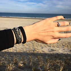 Gabrielle L. - Pura Vida Bracelets Flat Braided Black, Pura Vida Bracelets Sea Shepard Pack - Cause down the shore everything's alright