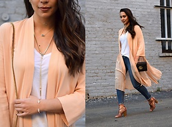 Melissa De Leon - Kendra Scott Riley Pendant Necklace, Kendra Scott Elisa Gold Pendant Necklace, Kendra Scott Starla Necklace, Kendra Scott Bianca Cuff, Forever 21 Kimono, Gucci Marmont Leather Chain Bag, Anthropologie Lace Up Heel - Pleated Peach Kimono