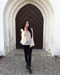 Justyna Lis - Zara White Shirt, Bershka Black Pants, Zara Black Flats - Mine's better than yours
