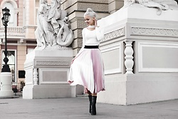 Krist Elle - Simplee Apparel Pink Pleated Skirt, Simplee Apparel White Cropped Sweater - How to wear Pink Pleated Skirt
